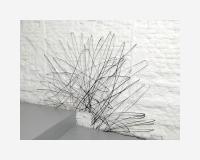 """""""Il y a ce qu'il n'y a pas (2)"""" dessin au marqueur noir sur papier synthétique découpé et épinglé en avant du mur - 200 x 155cm  © Benoît Félix 2010"""